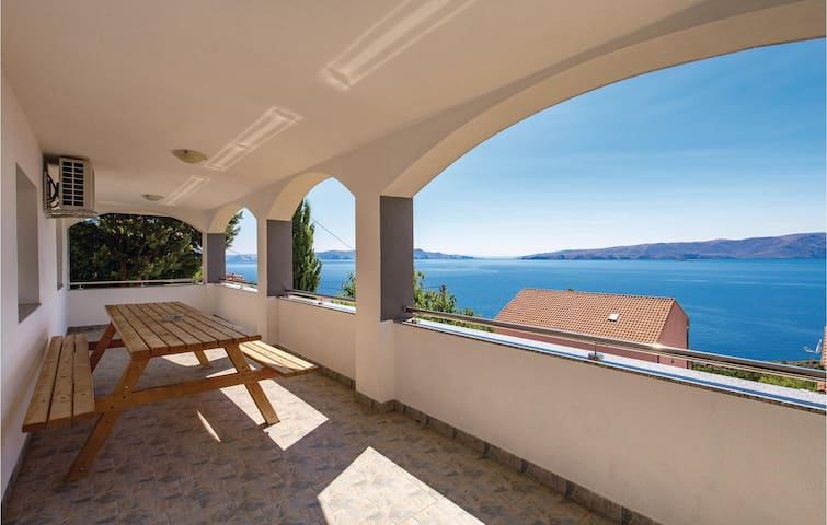 Holiday apartment with 4 bedrooms on 86m² in Senj
