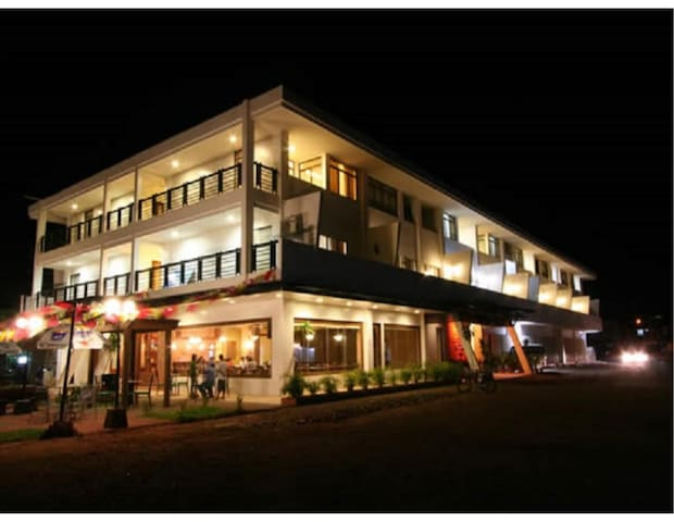 Coron Gateway Hotel and Suites5