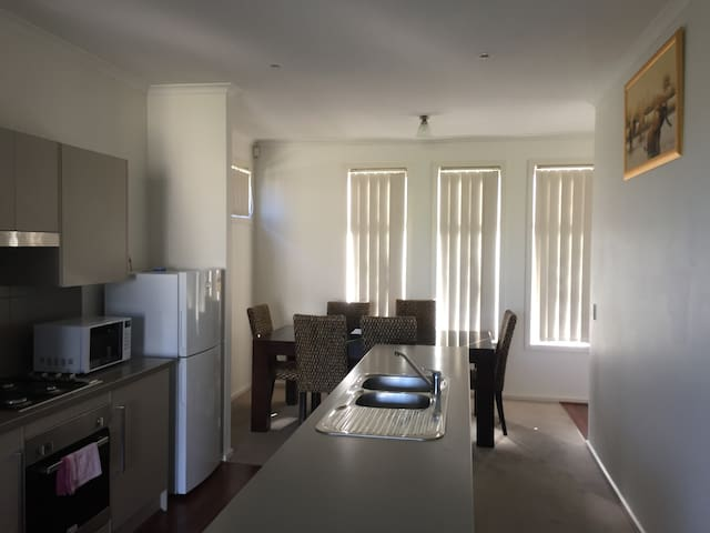 Luxurious 2BR apartment-  5/9K