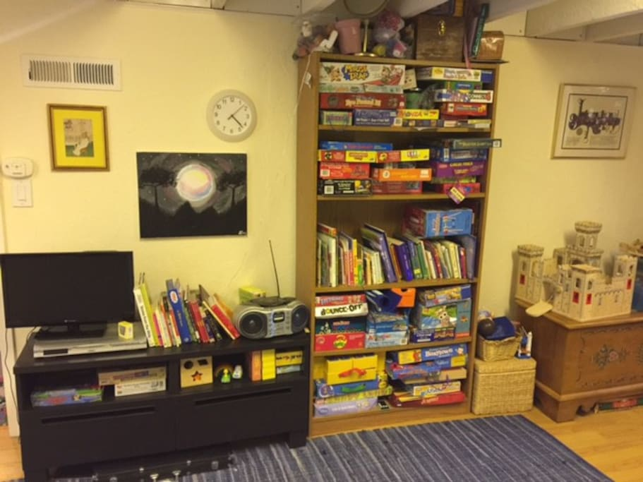 TV, books and games/toys for kids!