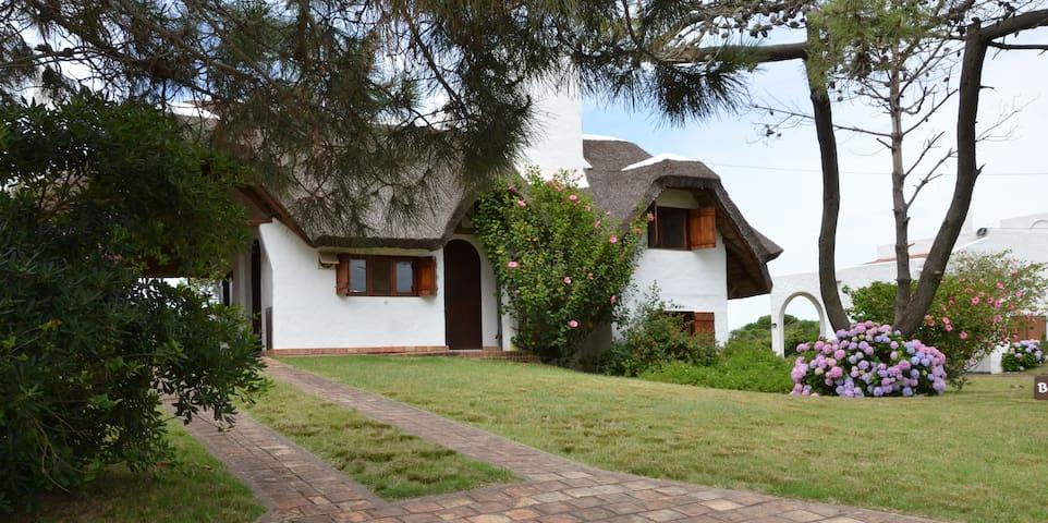 CASA EN LA PALOMA, HERMOSO ENTORNO - La Paloma - House