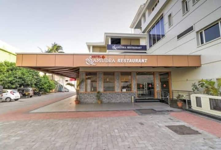 HOTEL SAMUDRA THEERAM