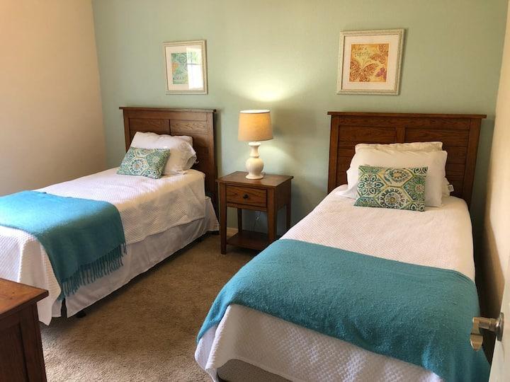 Nice private Twin Bedroom - Resort Lucaya Village