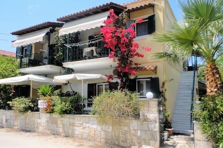 GRIVAS STUDIOS APARTMENTS - Sivota - Apartemen