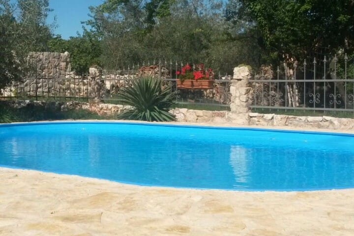 Route 69 - Mediterranean Stone House - Gostinjac - Casa