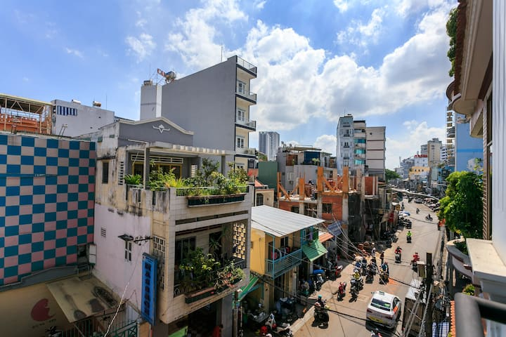 Amazing Space to Explore Saigon in Center
