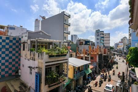Amazing Space to Explore Saigon in Center