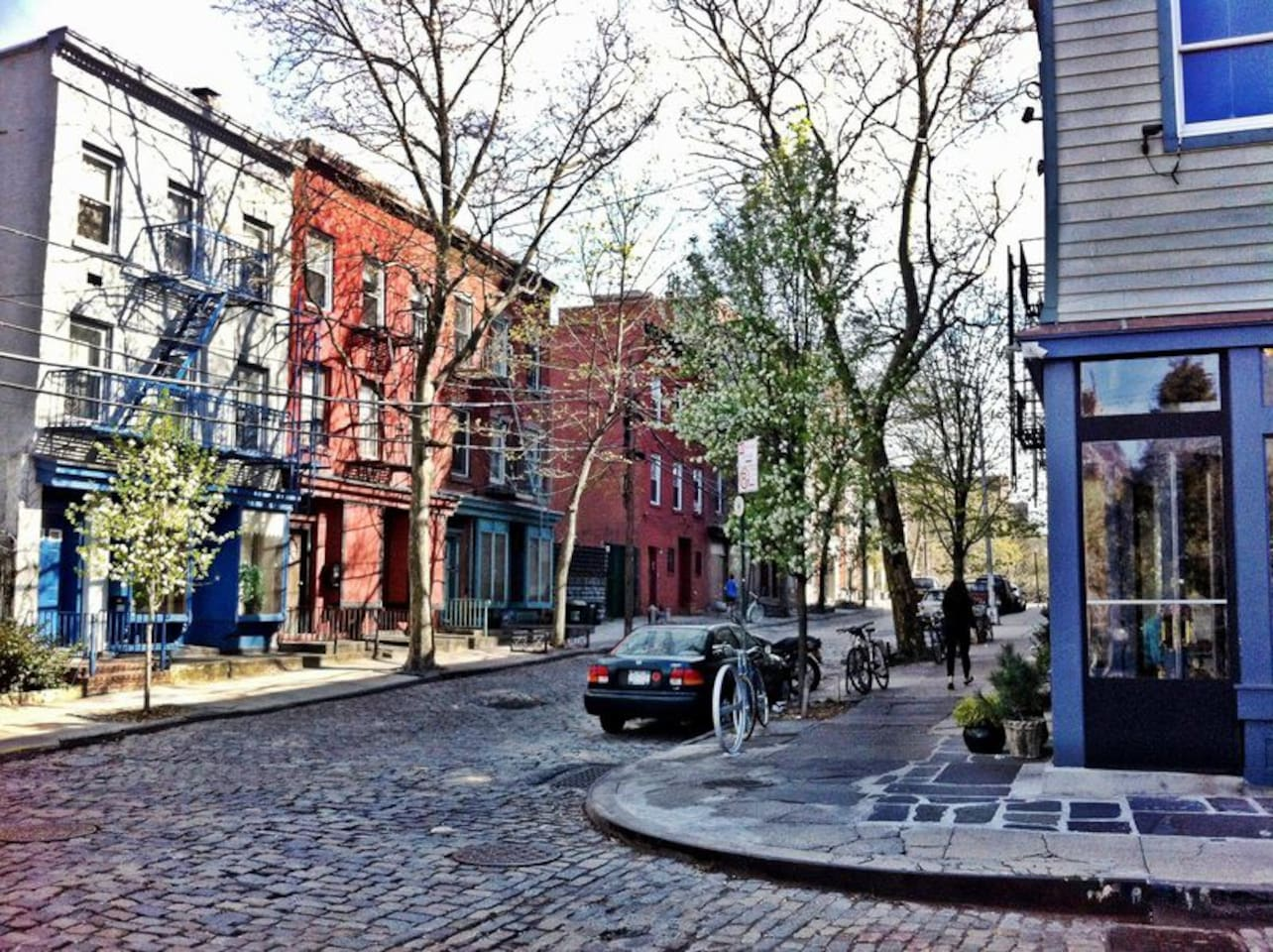 Vinegar Hill is one of the best kept secrets in Brooklyn!