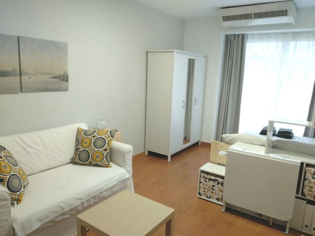 Studio in Chamartin-Plaza Castilla with pool