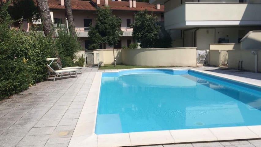 Appartamento con piscina in residence a Cervia