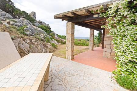 Villa al mare con giardino - Santa Reparata