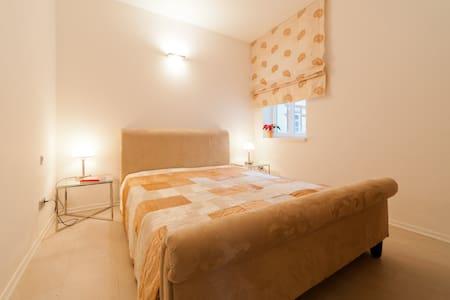 Suite - 2 bedrooms 2 bathrooms - Huoneisto