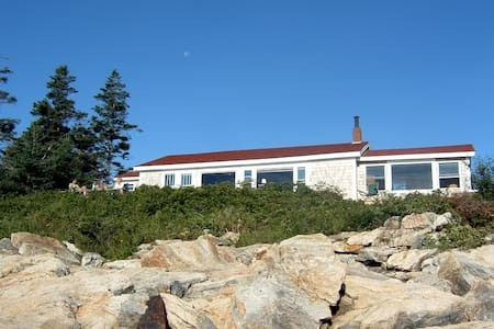 Beach Camp Matinicus (Norris Cottage)