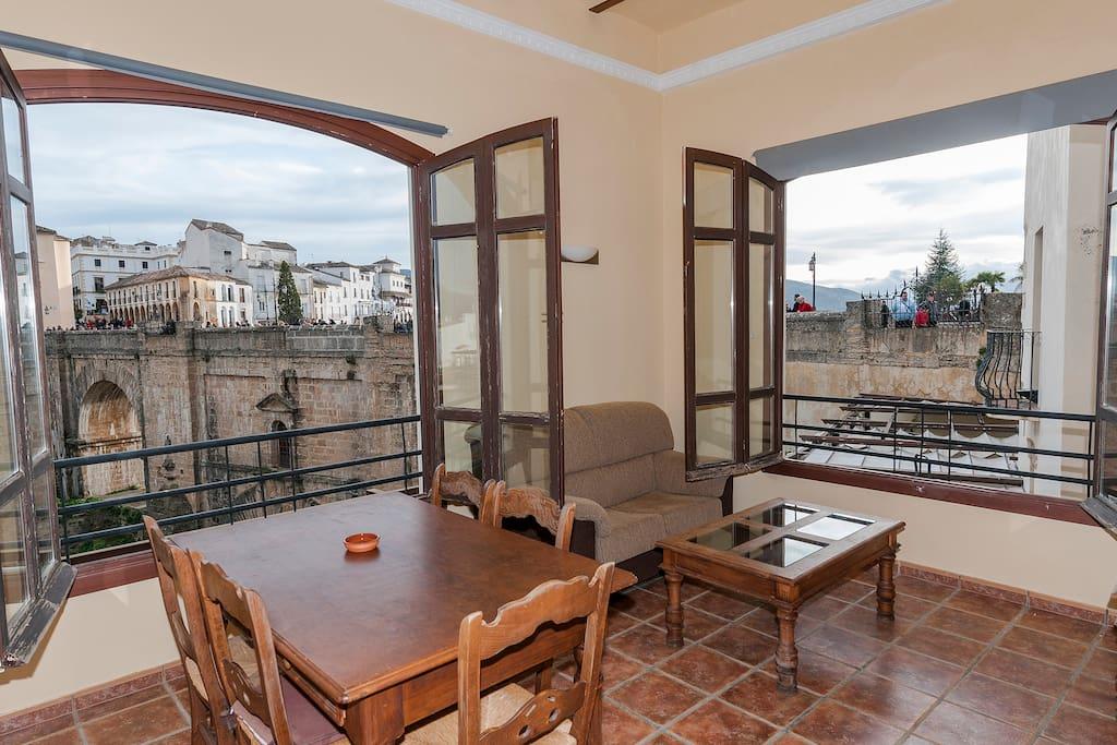 SALON CON VISTAS AL TAJO - Apartments for Rent in Ronda ...