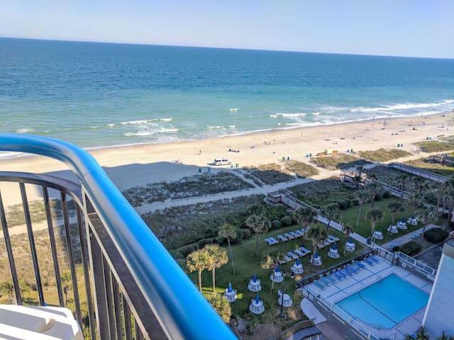 Oceanfront 2 BR/3 BA suite at Boardwalk 1139/1140