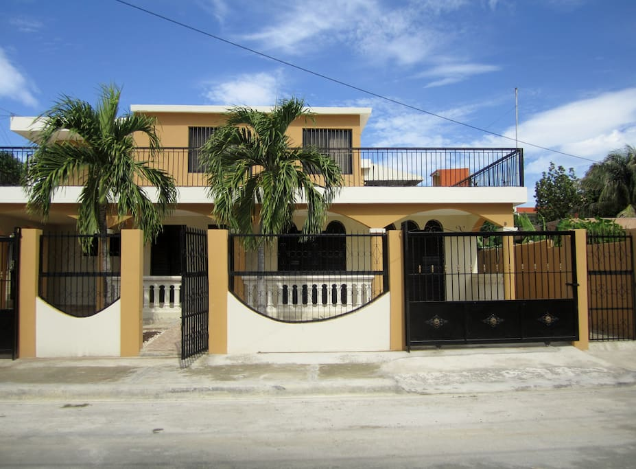 Entire apt on 2nd fl of private home flats for rent in for Furniture stores in santiago dominican republic
