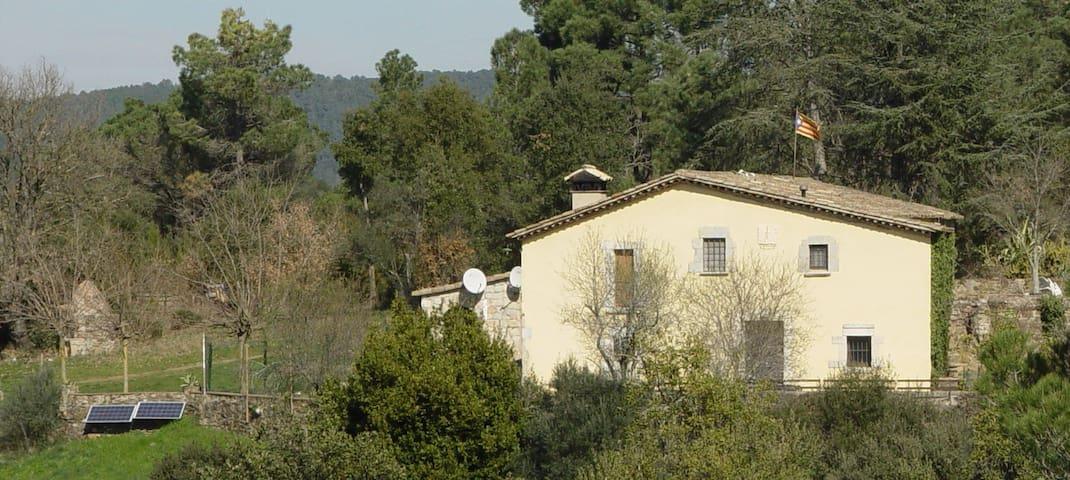 Casa rural al lado de Girona - Llambilles