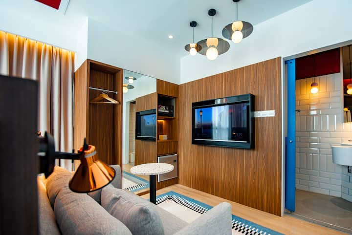 Airdence - #02 King Suite Room @ Sutera Avenue