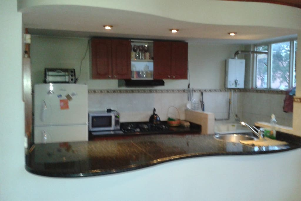 Kitchen with all!!