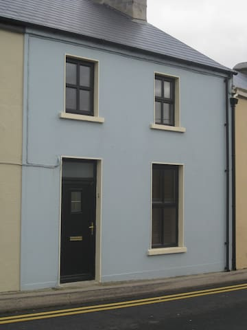 Traditional Ennistymon Townhouse - Ennistimon - Ház