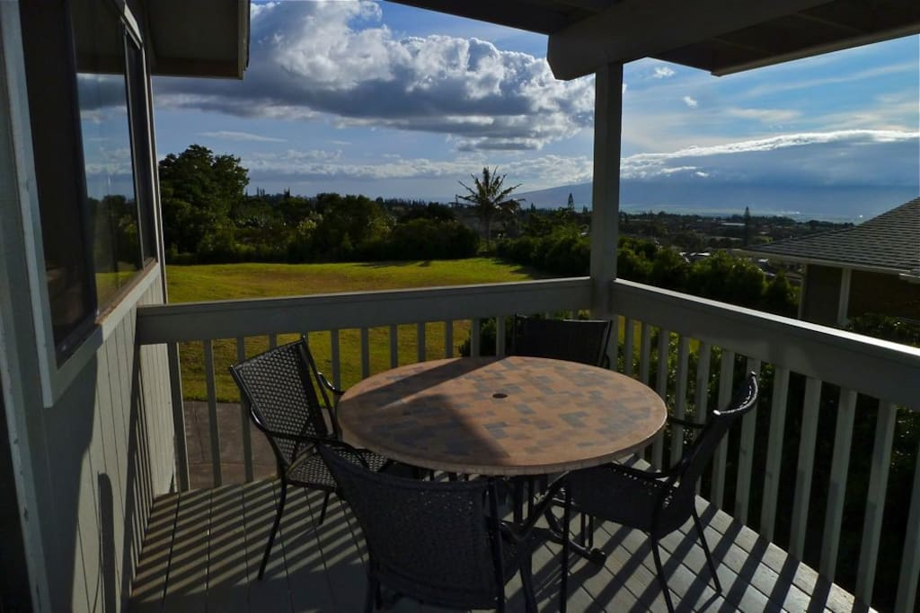 Covered Deck with dinette seating for four and views!