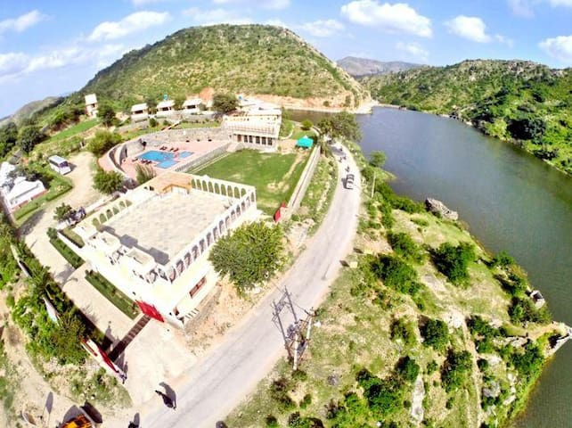 Tent Stay in a Kumbhalgarh Resort