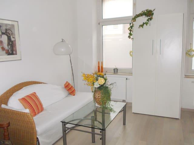 Sonniges Ferien- / Messe- Apartment - Krefeld - Appartement