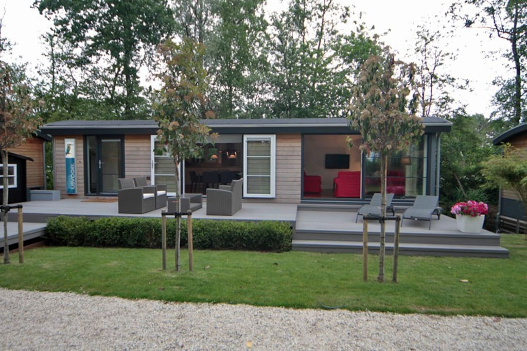 Amsterdam loosdrecht watervilla case galleggianti in for Case in affitto amsterdam lungo periodo