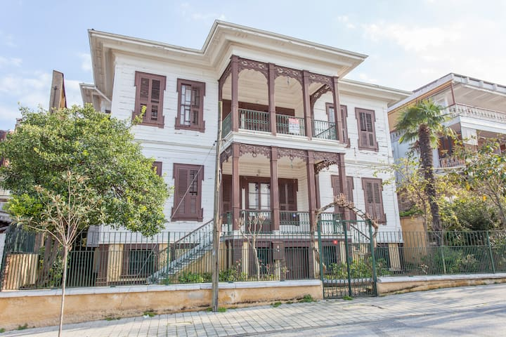 UNIQUE HISTORIC FLAT - Adalar - Apartmen