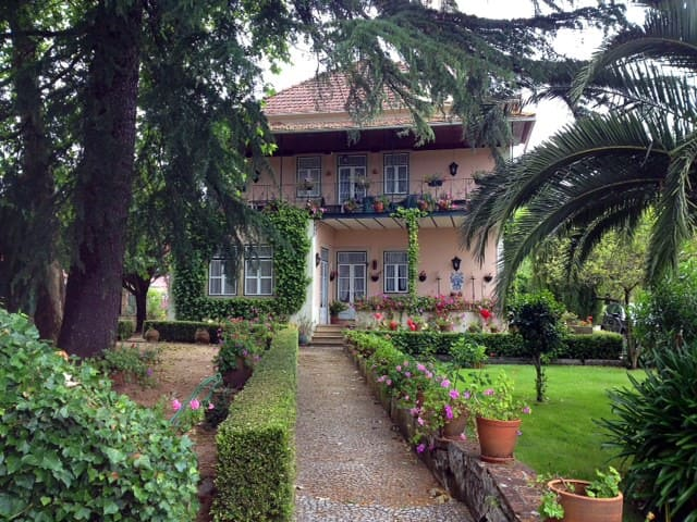 Family Manor with Stunning garden  - Águas Belas - Chalet