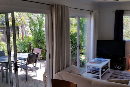*Walk 2 Alex Beach,Courtyard,Private,Sleeps 5*