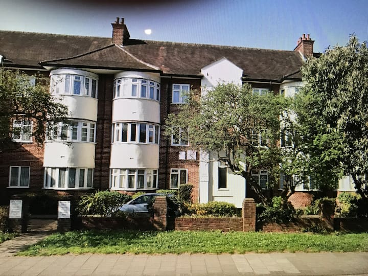 Beautiful 3 bedroom apartment in Harrow London