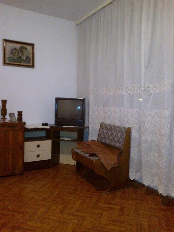 Cozy apartment 20 min from city center