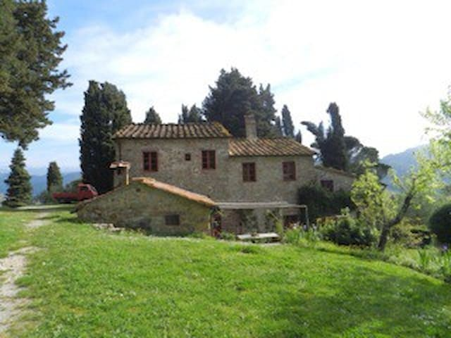 LOVELY VIEW BnB WITH POOL, BLU ROOM - Lucca - Bed & Breakfast