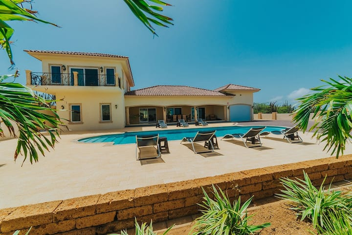 Private 5 ☆ Villa ideal for One Happy Workation