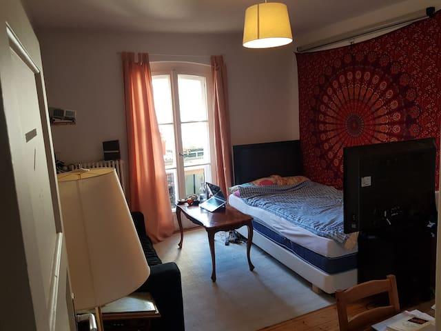 Liebevolles Zimmer in Charlottenburg für 12 Tage