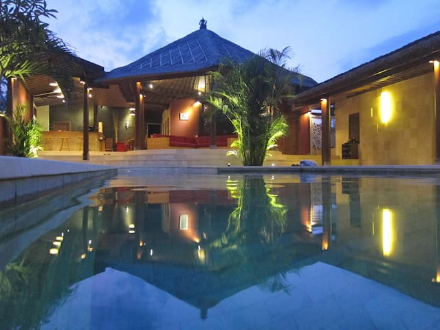 """The real Bali"" 3 BRD+Pool+ Golf - Tabanan - House"
