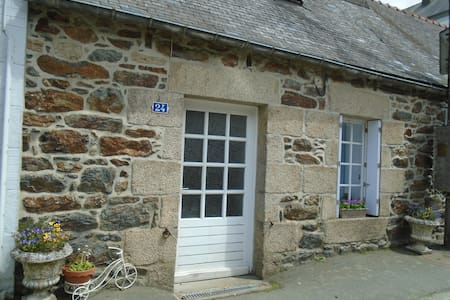 French Cottage-Gite-Brittany-France. - Callac