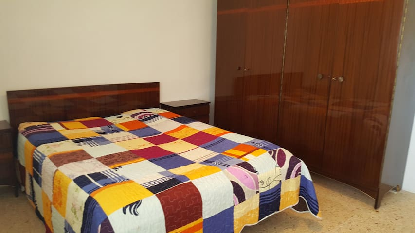 The large room, Salou, 3 pers, 300 m from beach