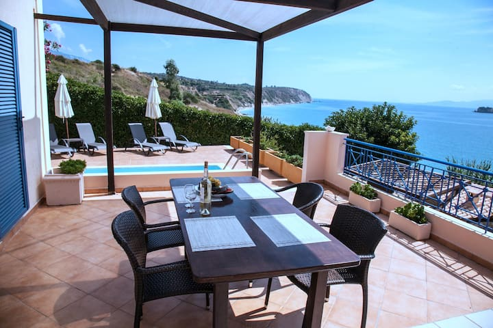Villa Marco. Sea Front. Private Pool