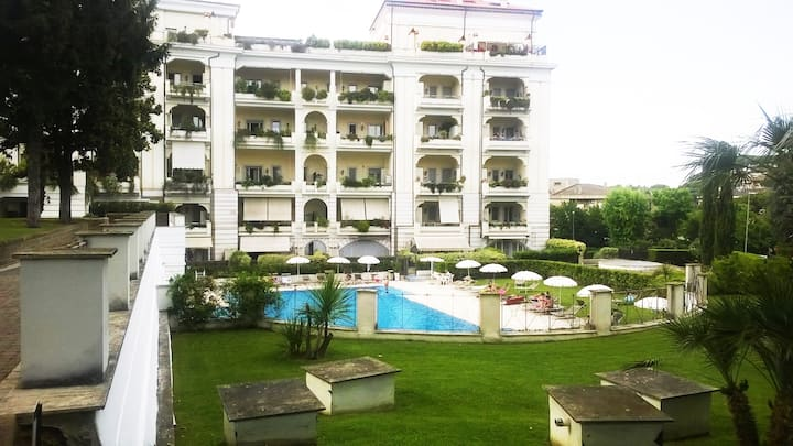 DREAM APARTMENT WITH  POOL AREA GEMELLI-ROME.