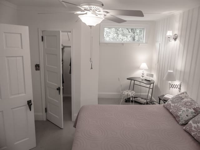 Queen size bed & gigantic closet. Bedroom also has black out shades in case you prefer to sleep in late or take afternoon naps.