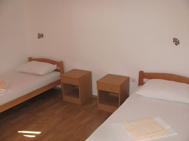 Pansion Coric - room for two - Medjugorje - Bed & Breakfast