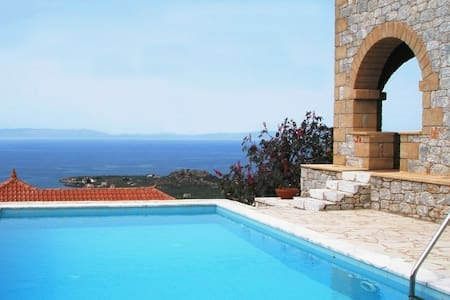 Luxury villa near Stoupa beach - Stoupa - 別墅