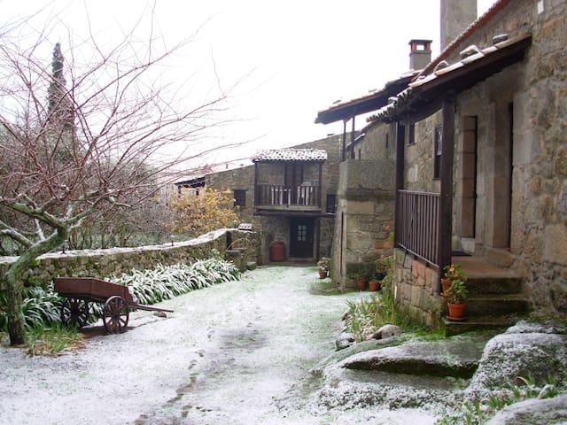 Enjoy magical days in Casa do Telheiro! - Paços da Serra - Villa