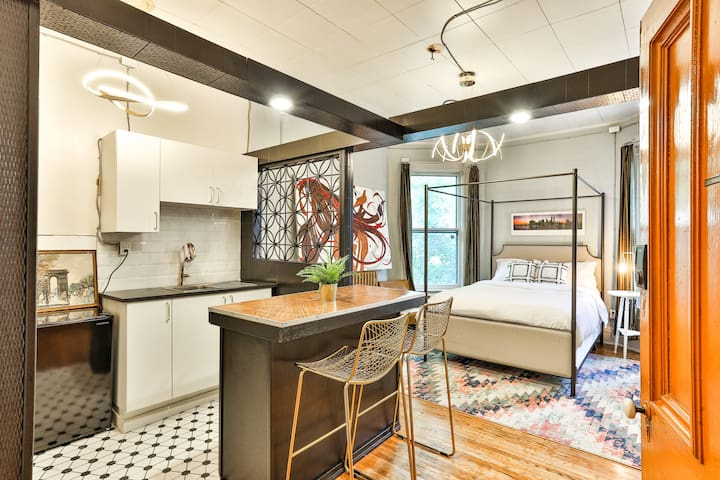 Eclectic Suite in Historical Lakefront Mansion