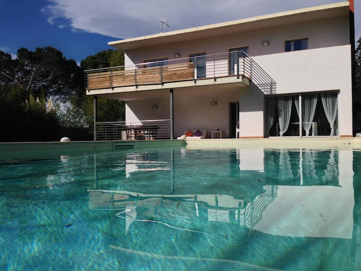 MODERN VILLA IN COSTA BRAVA