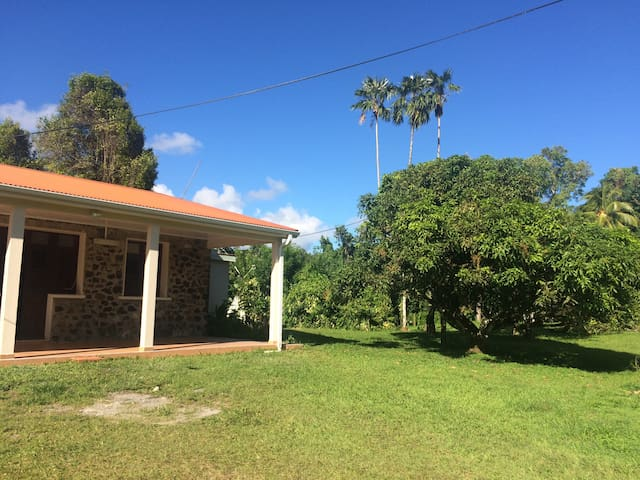 Traditional house, in the heart of Martinique