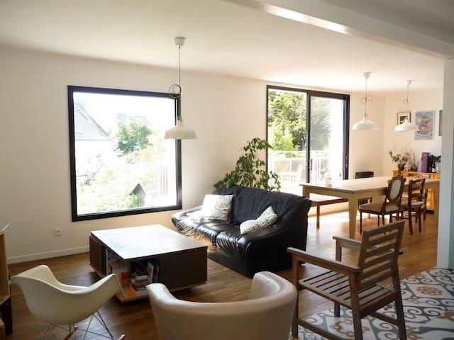 Vannes : maison & jardin à 15mn à pied du port - Vannes - House