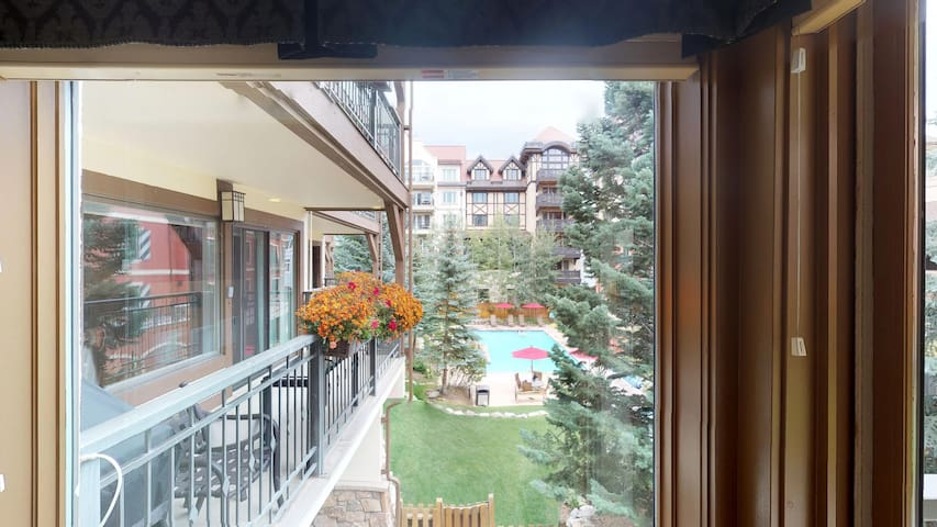 Great Lionshead Condo | Montaneros in Vail | M216
